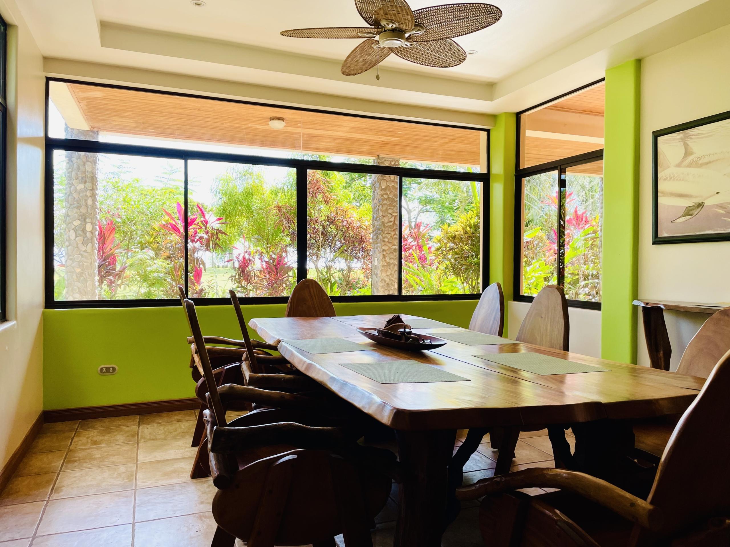 boca-barranca-costa-rica-villa-dining-room