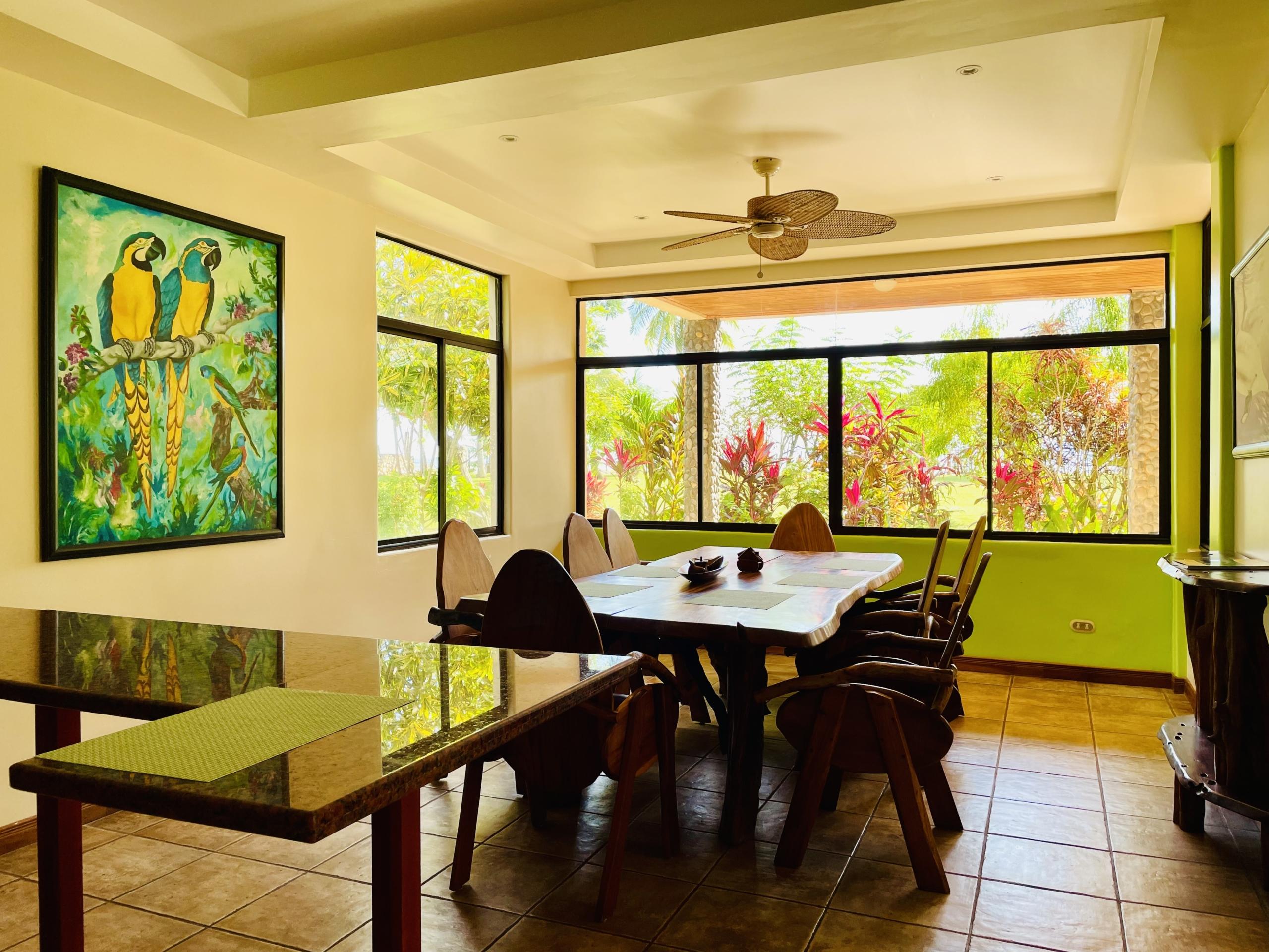 boca-barranca-costa-rica-villa-dining