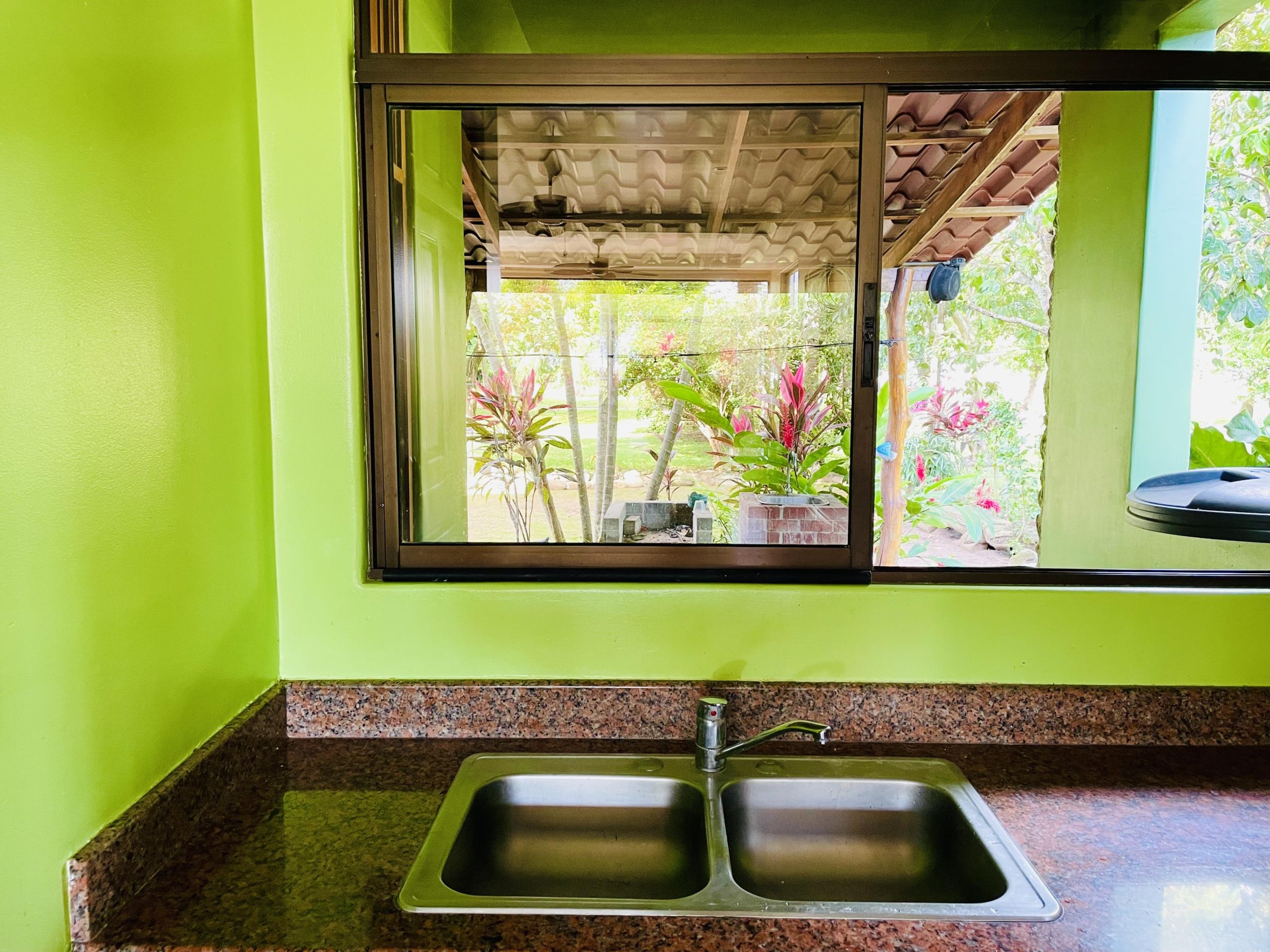 boca-barranca-costa-rica-villa-kitchen