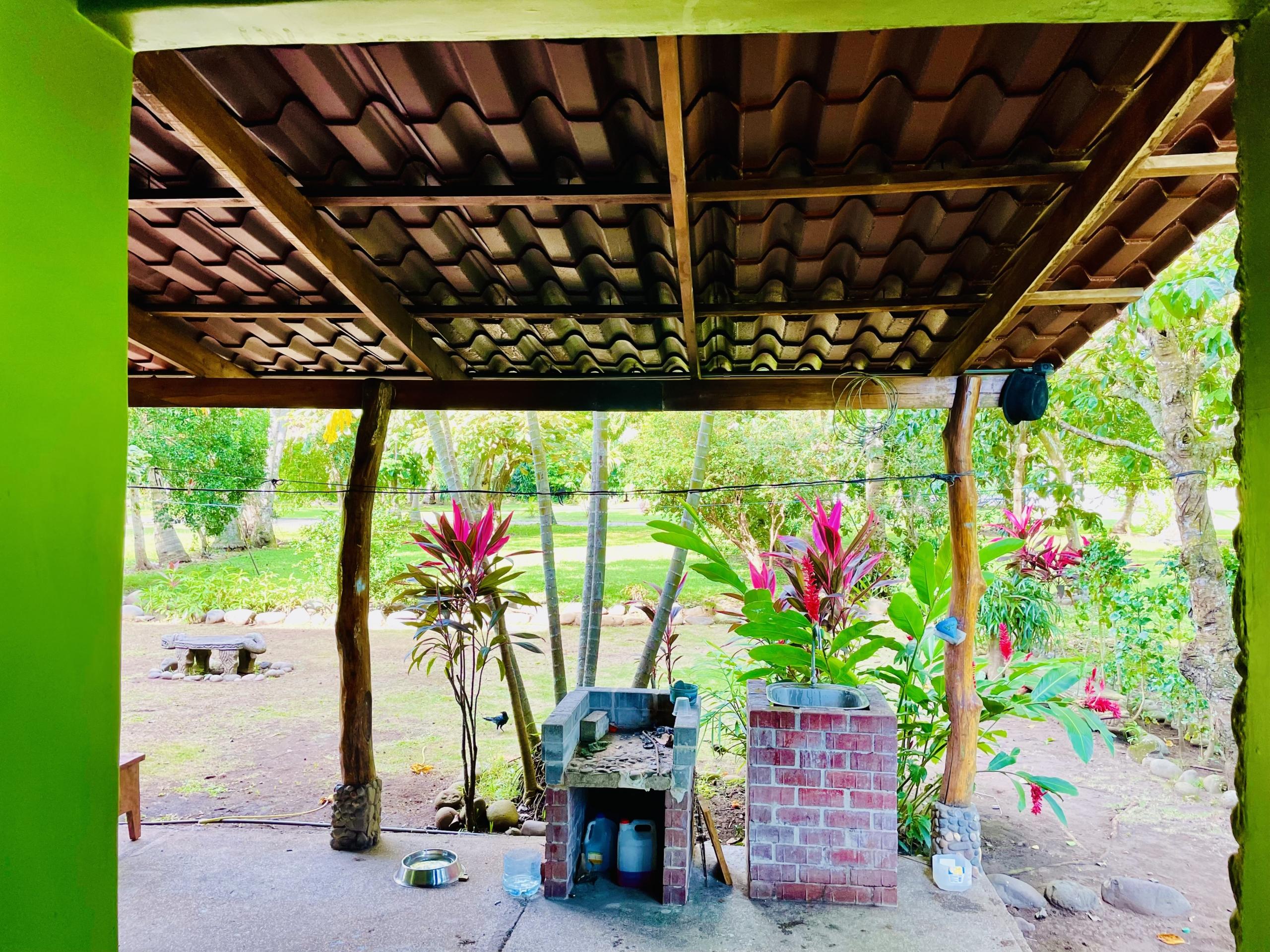 boca-barranca-costa-rica-villa-outdoor-grill