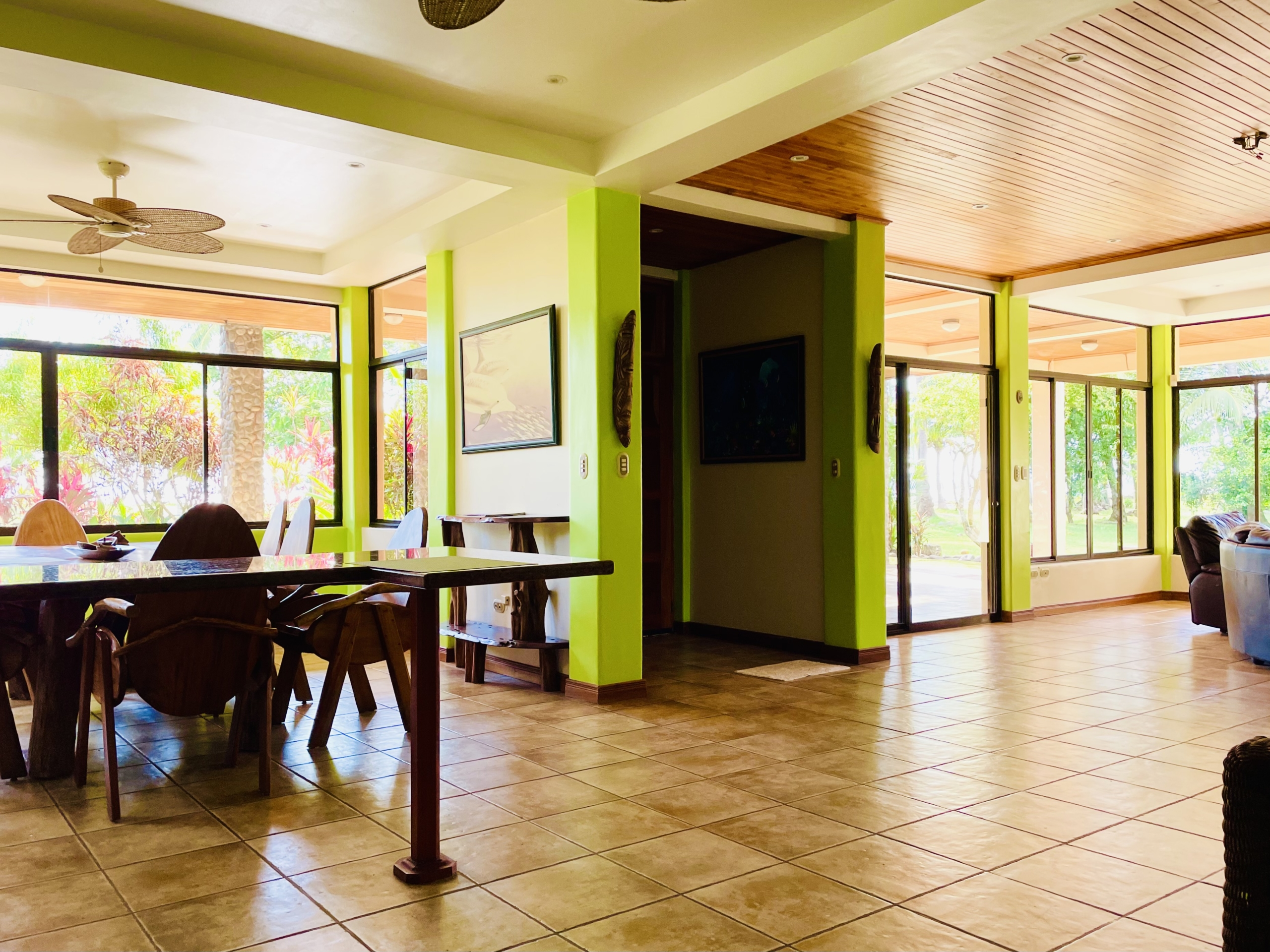 boca-barranca-costa-rica-villa-front-front-room