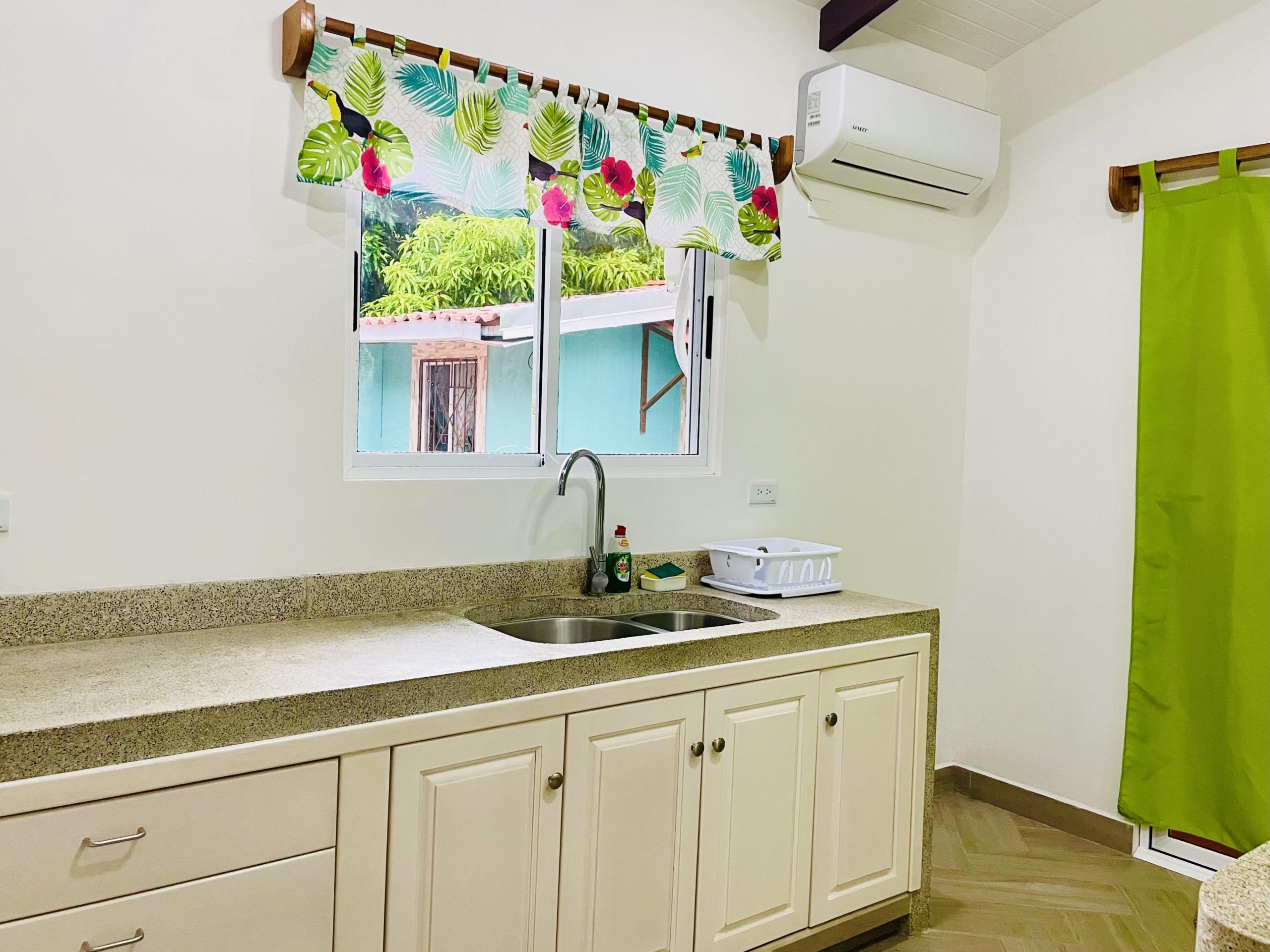 pelicano-dorado-kitchen-sink