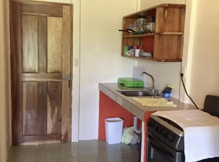 pavones-ocean-view-beach-house-kitchen