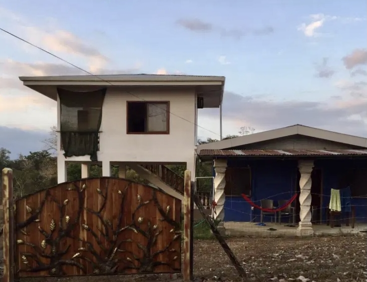 pavones-ocean-view-beach-house-front